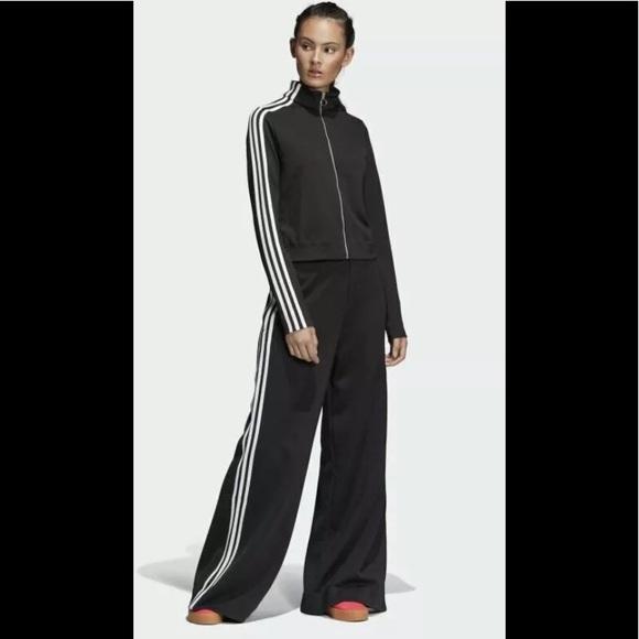 adidas Jackets & Blazers - NWOT Adidas Originals Zip up Cropped Jacket M